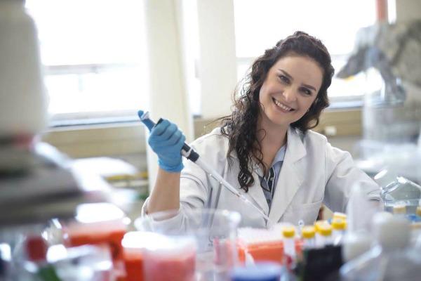 image-2-dr-stephanie-fanucchi-2